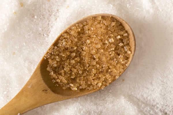 酸っぱすぎる梅干しを食べやすくする対処法・ザラメ糖
