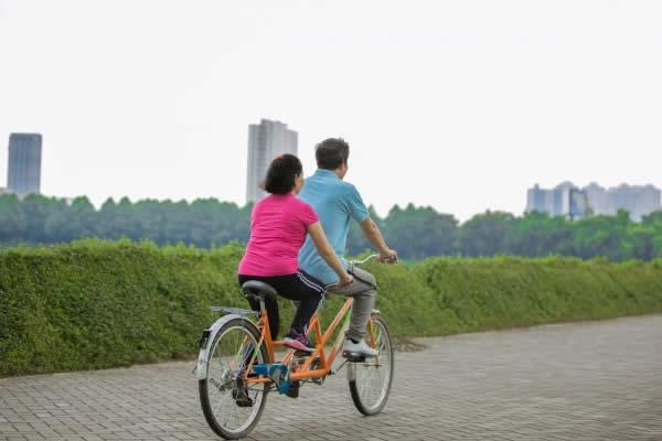 子なし夫婦の休日「スポーツ・アウトドア派」サイクリング